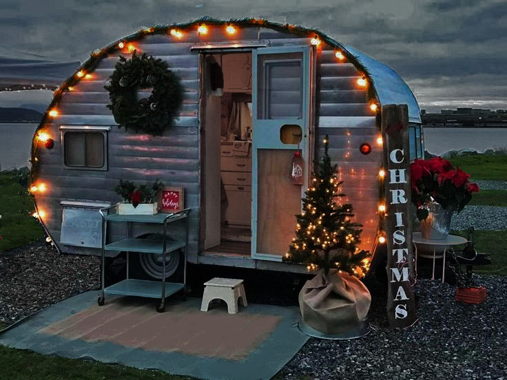 Decorating a small travel trailer with  for Christmas